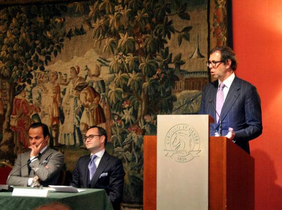 Luis Sans abre la ponencia