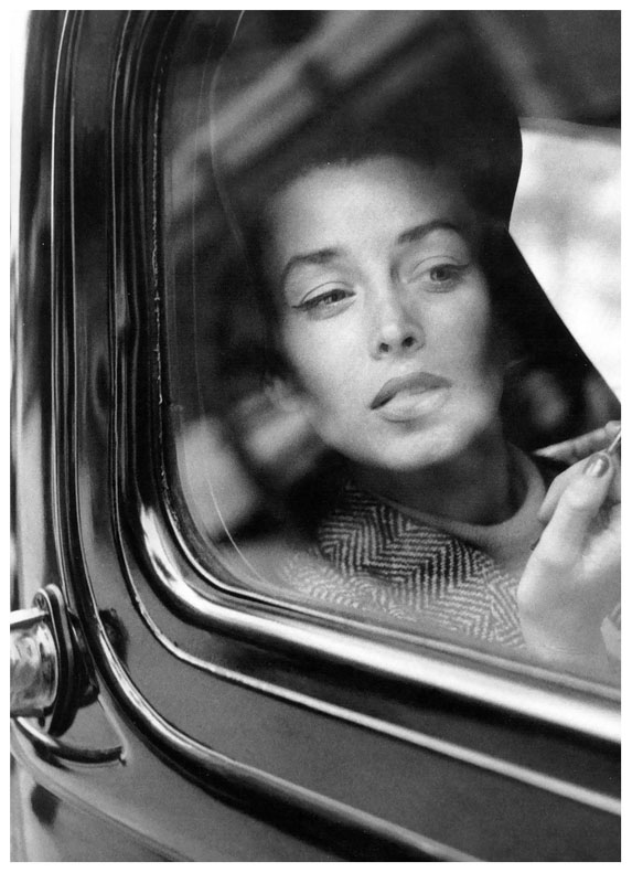 Dorian Leigh fotografiada por Suzy Parker