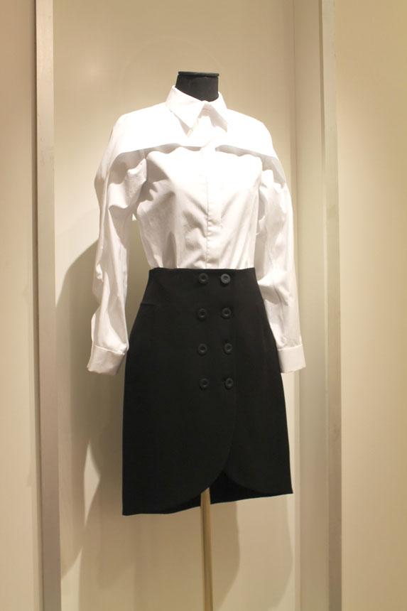 Camisa y falda Balenciaga