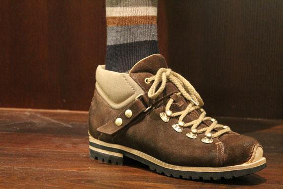 Calcetines Gallo y sneakers Santoni