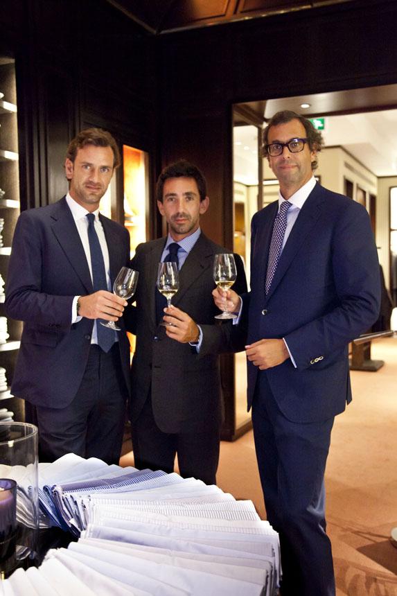 De izq. a dcha.: Sr. Guglielmo Miani, propietario y diseñador de la firma Larusmiani; Sr. Balbino Terenzi, propietario de las bodegas Terenzi y el Sr. Luis Sans